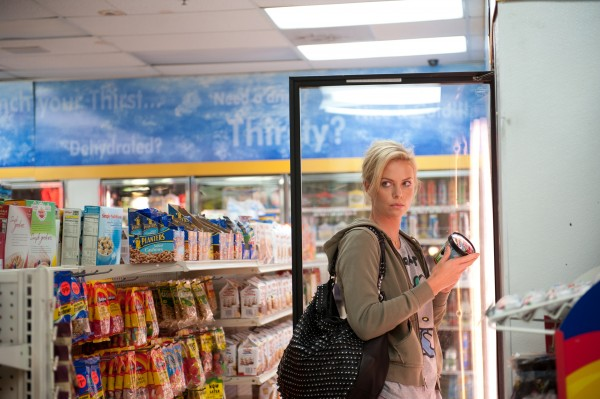 Charlize-theron-young-adult-movie-image-4-600x399
