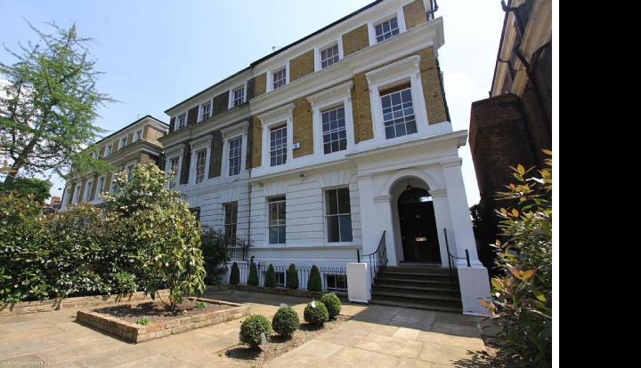Amy Winehouse S Father Lists Her London Bedsit Variety