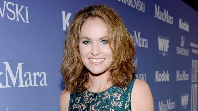 Amy Brenneman Joins CW's 'Reign' - Variety