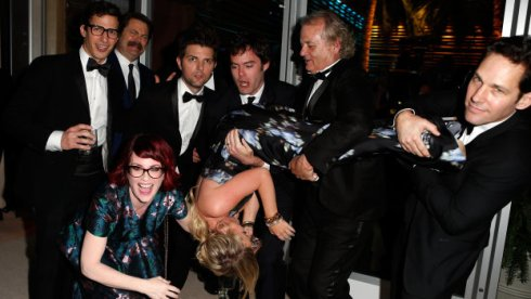 Amy Poehler found herself in quite the situation at the Vanity Fair Oscar party.
