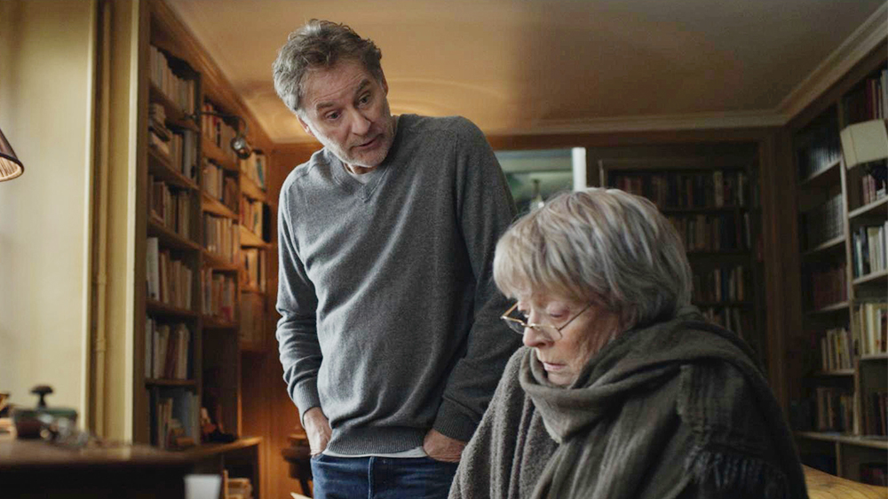My Old Lady Review Kevin Kline And Maggie Smith Star In Play Adaptation Variety My Old Lady