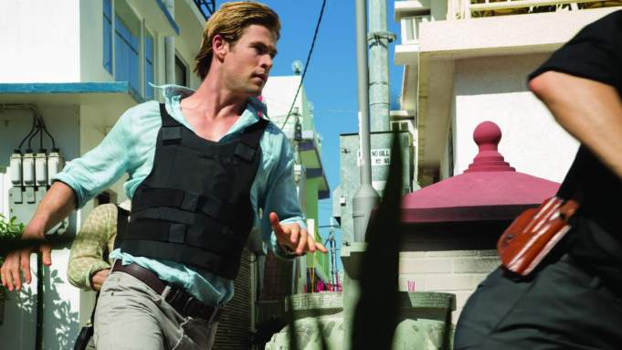 'Blackhat' Review: Chris Hemsworth Makes an