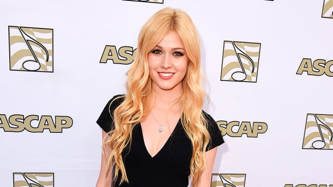 Shadowhunters Katherine Mcnamara To Play Clary Fray Variety