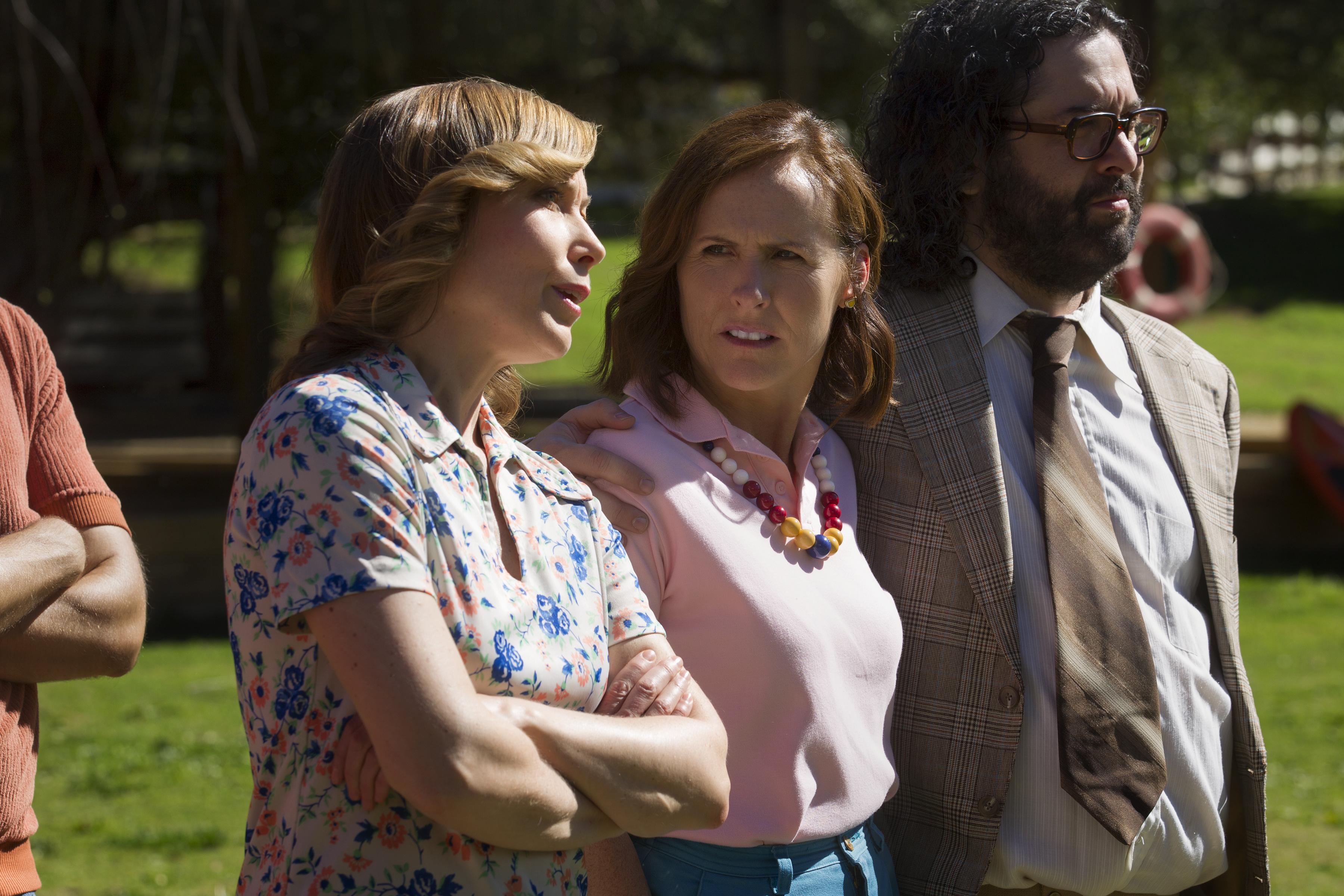 Nina Hellman as Nancy, Molly Shannon as Gail and Judah Friedlander as Ron