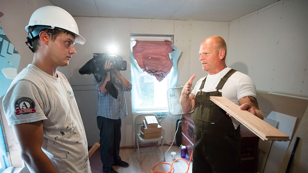 Fox Seeks Its Own Extreme Makeover With Remodeling Show Home Free Variety