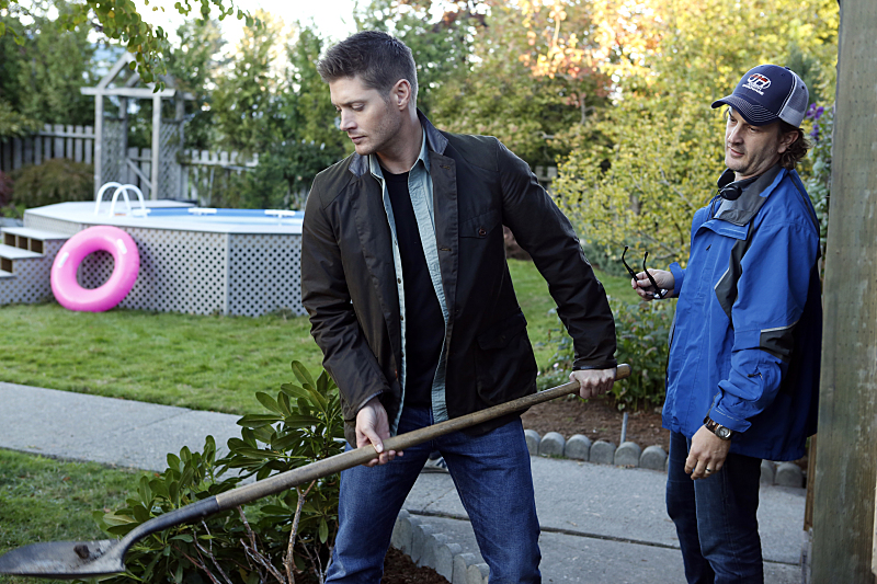 """Supernatural -- """"Just My Imagination"""" -- Image SN1108B_0151.jpg -- Pictured (L-R): Jensen Ackles as Dean and Director Richard Speight Jr. -- Photo: Bettina Strauss/The CW -- © 2015 The CW Network, LLC. All Rights Reserved"""