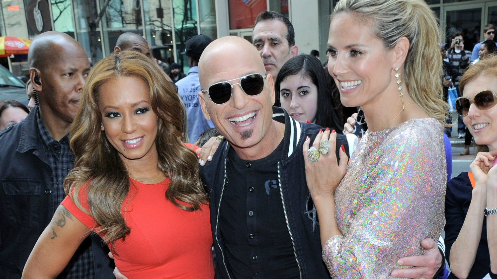 MUSICAL ROUNDUP: Mel B FLASHES Howie Mandel During AGT