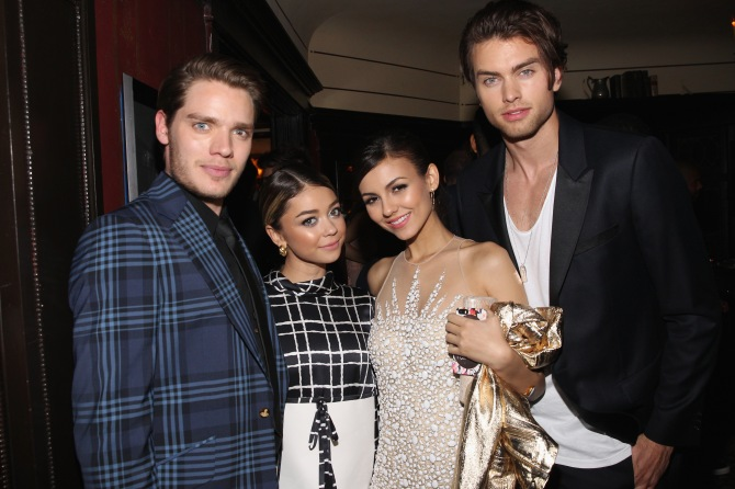 LOS ANGELES, CA - FEBRUARY 17: (L-R) Actors Dominic Sherwood, Sarah Hyland, Victoria Justice and Pierson Fode attend Vanity Fair and FIAT celebration of Young Hollywood, hosted by Krista Smith and James Corden, to benefit the Terrence Higgins Trust at No Vacancy on February 17, 2015 in Los Angeles, California. (Photo by Jonathan Leibson/Getty Images for Vanity Fair)