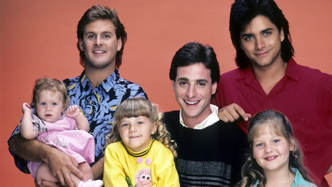 FULL HOUSE - Cast Gallery - June 26, 1987. (Photo by ABC Photo Archives/ABC via Getty Images)MARY-KATE/ASHLEY OLSEN;DAVE COULIER;JODIE SWEETIN;BOB SAGET;JOHN STAMOS;CANDACE CAMERON