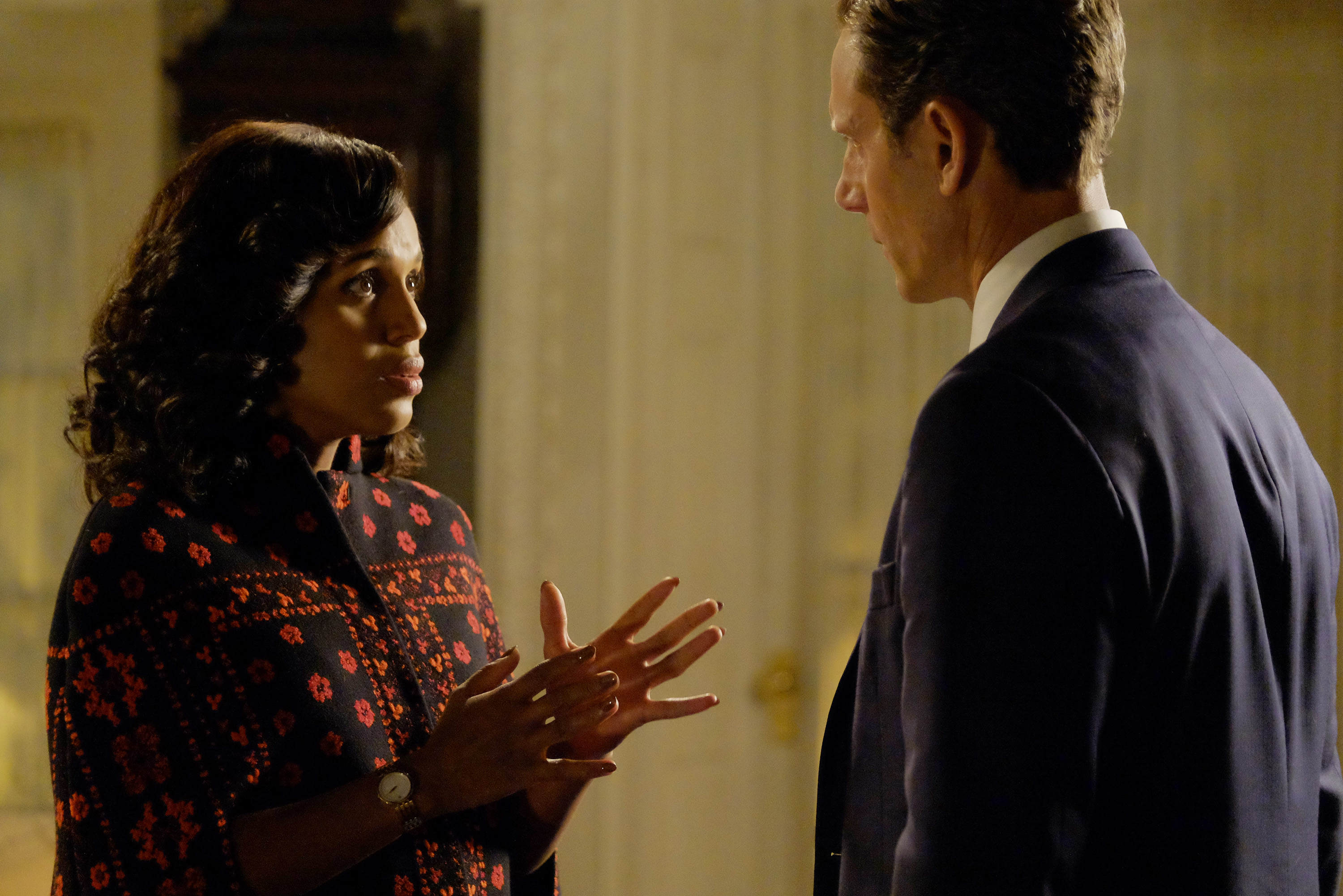 """SCANDAL - """"Survival of the Fittest"""" - The election results for the presidential race between Mellie Grant and Francisco Vargas are announced, and the shocking results lead to an explosive outcome, on the highly anticipated season premiere of """"Scandal,"""" airing on THURSDAY, JANUARY 26 (9:00-10:00 p.m. EST), on the ABC Television Network. (ABC/Tony Rivetti) KERRY WASHINGTON, TONY GOLDWYN"""