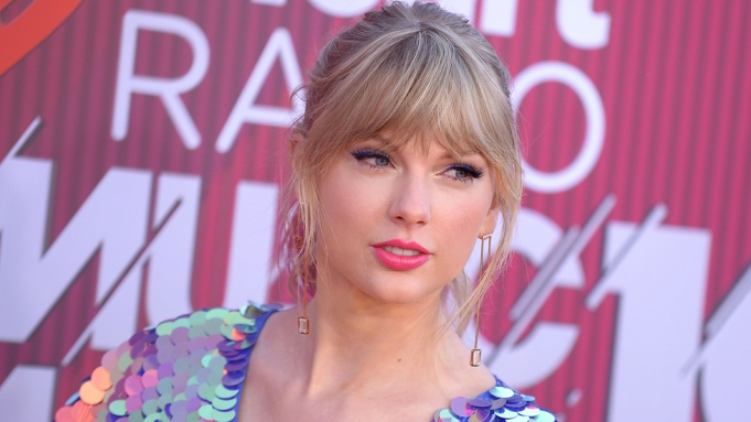 Taylor Swift Denies Big Machine S Claims Over Song Use Debt Variety