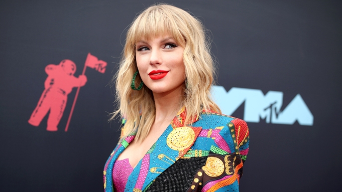Taylor Swift S Lover Is Certfied Platinum Variety