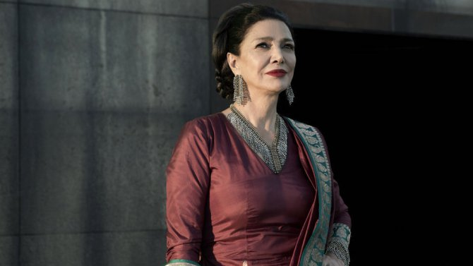 """THE EXPANSE -- """"Cascade"""" Episode 210 -- Pictured: Shohreh Aghdashloo as Chrisjen Avasarala -- (Photo by: Rafy/Syfy)"""