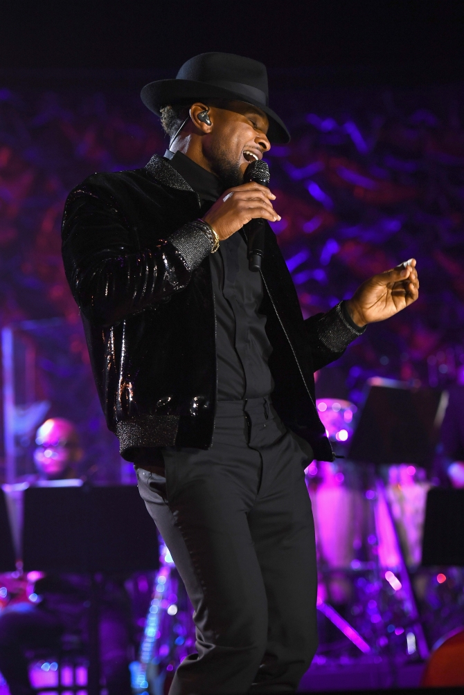 NEW YORK, NY - JUNE 15:  Usher performs onstage at the Songwriters Hall Of Fame 48th Annual Induction and Awards at New York Marriott Marquis Hotel on June 15, 2017 in New York City.  (Photo by Larry Busacca/Getty Images for Songwriters Hall Of Fame) *** Local Caption *** Usher