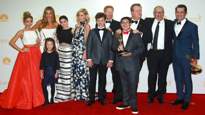 Modern Family Tv Kids Secure Pay Raises And Sign Onto Season 9 And 10 Variety