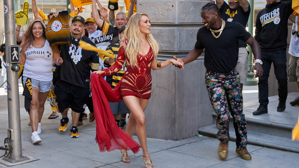"""NBC SUNDAY NIGHT FOOTBALL -- """"2017 Promo Shoot"""" -- Pictured: Carrie Underwood -- (Photo by: Paul Drinkwater/NBC Sports)"""