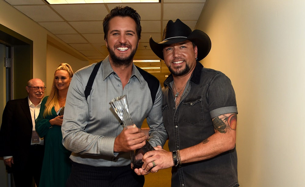 NASHVILLE, TN - OCTOBER 18: (L-R) Honorees Luke Bryan and Jason Aldean backstage at the 2017 CMT Artists Of The Year on October 18, 2017 in Nashville, Tennessee. (Photo by Rick Diamond/Getty Images for CMT)