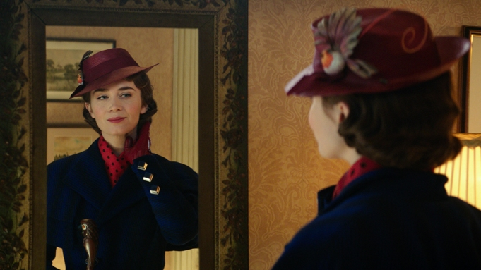 Mary Poppins (Emily Blunt) returns to