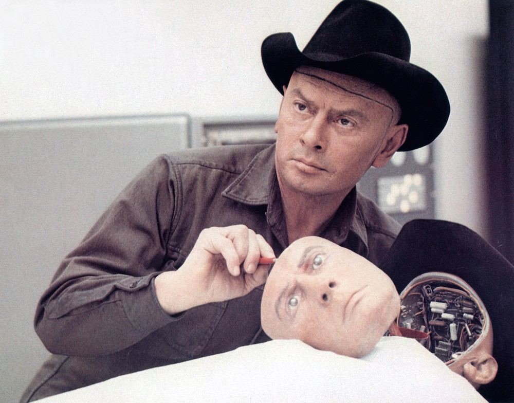 No Merchandising. Editorial Use Only. No Book Cover Usage. Mandatory Credit: Photo by MGM/Kobal/REX/Shutterstock (5883968h) Yul Brynner Westworld - 1973 Director: Michael Crichton MGM USA Scene Still Mondwest
