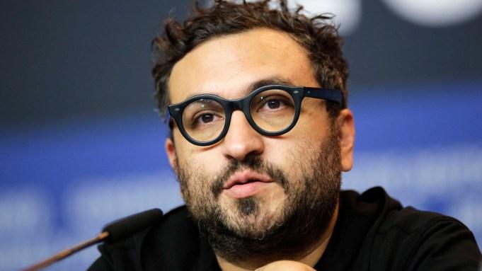 Director Alonso Ruizpalacios attends a news