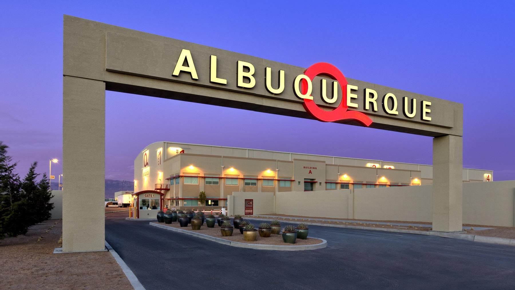 Ciudades del mundo (A a la Z) - Página 6 Albuquerque-abq-studios-tondreau-studio-gate2