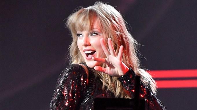 Taylor SwiftAmerican Music Awards, Show, Los
