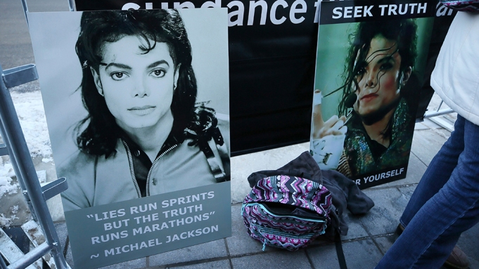 Signs in support of Michael Jackson
