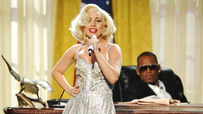 Lady Gaga, center, and R. Kelly