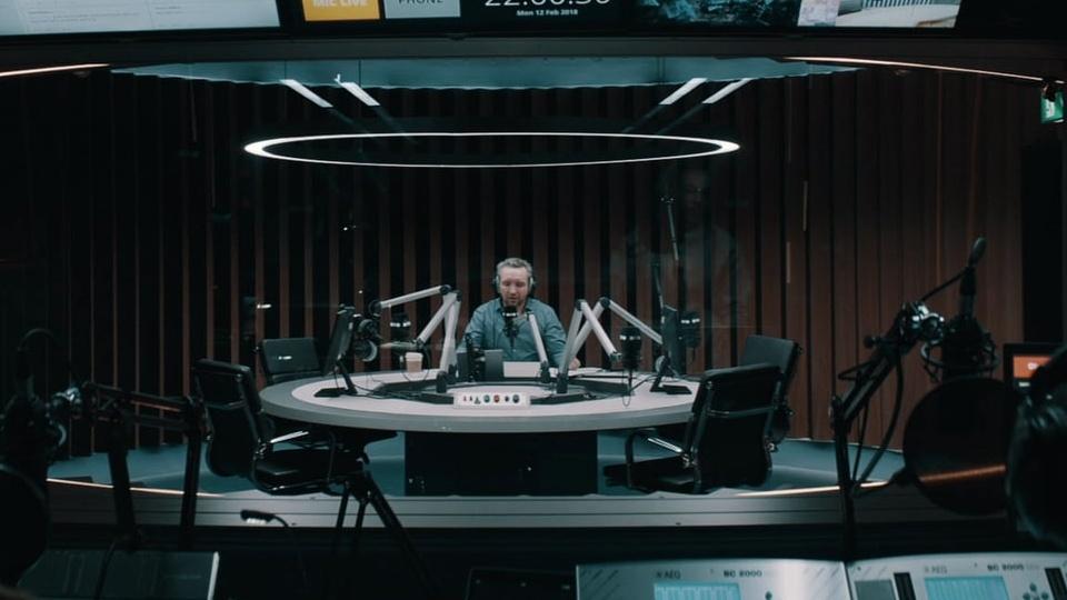 Blue Fox Boards Eddie Marsan, Paul Anderson Thriller 'Feedback' - Variety