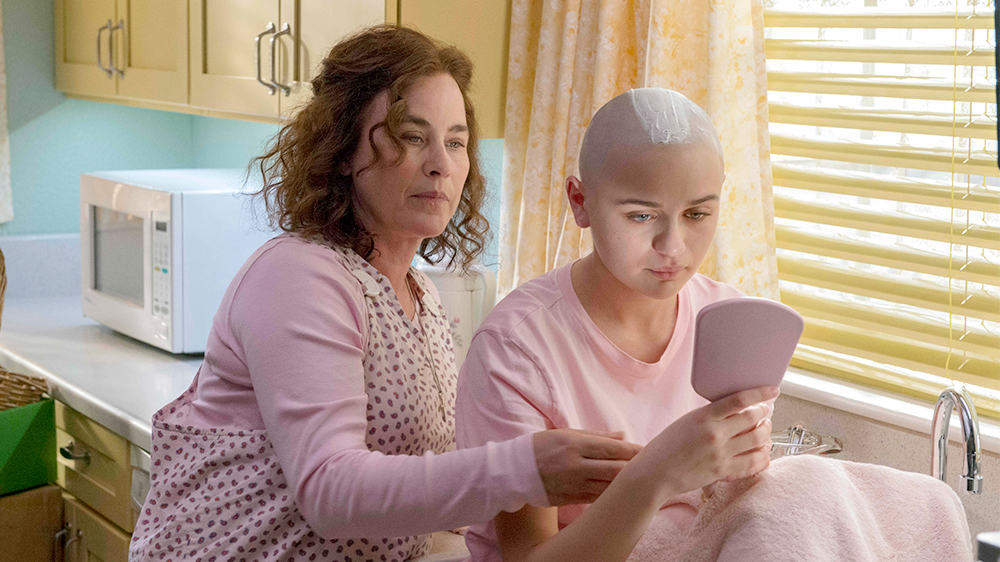 The Act Review Hulu Crime Drama Nails What It S Going For Variety