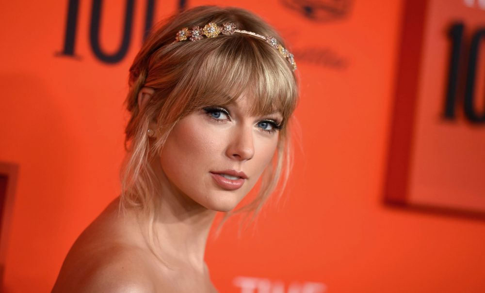 Taylor Swift To Perform Me At 2019 Billboard Music Awards Variety