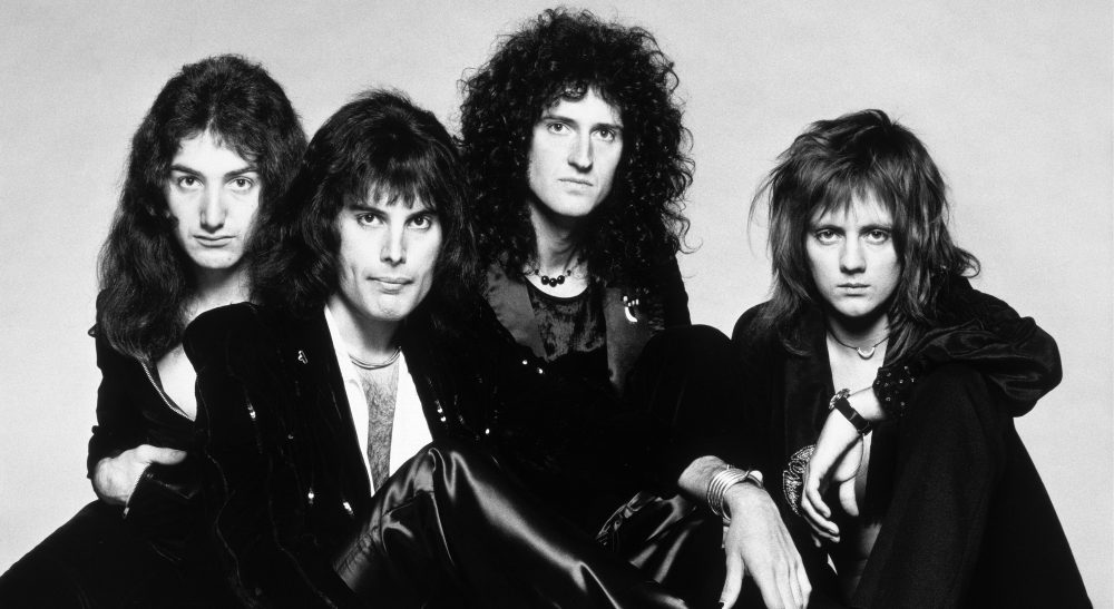 Queen S Bohemian Rhapsody Oldest Music Video To Top 1b Youtube Views Variety