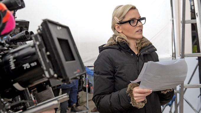 Elizabeth Banks Directing Charlies Angels