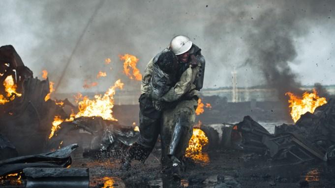 Golden Globes: 'Chernobyl' Team Talks Getting