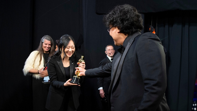 FOR EDITORIAL USE ONLY. No marketing or advertising is permitted without the prior consent of A.M.P.A.S.Mandatory Credit: Photo by A.M.P.A.S./Shutterstock (10551201mb)Sharon Choi and Bong Joon Ho92nd Annual Academy Awards, Backstage, Los Angeles, USA - 09 Feb 2020