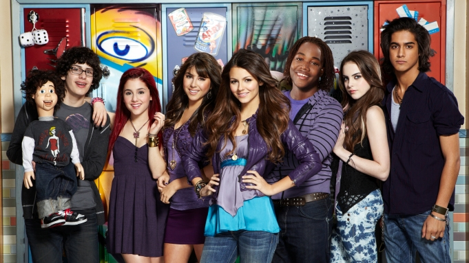Ariana Grande and the 'Victorious' Cast Celebrate Anniversary on Zoom - Variety