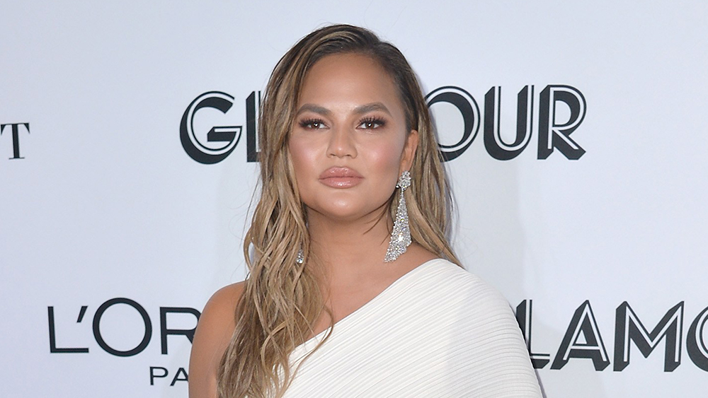 Chrissy Teigen Is Back on Twitter: 'I Choose to Take the Bad With the Good'