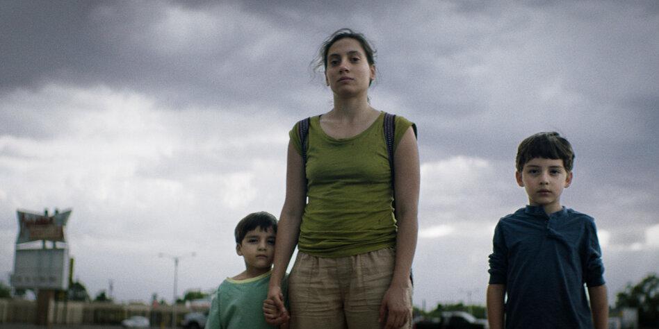 Los Lobos' Review: Hopeful, Heartfelt Tale of Childhood Hardship - Variety