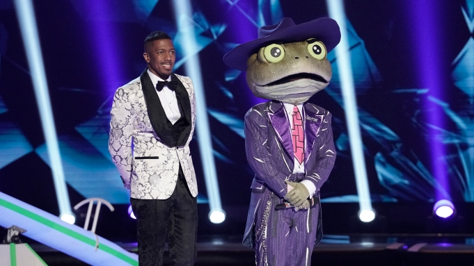 """THE MASKED SINGER: Host Nick Canon and The Frog in the """"A Day In the Mask: The Semi Finals / After the Mask: A Day In the Mask: The Semi Finals"""" special two-hour episode of THE MASKED SINGER airing Wednesday, May 13 (8:00-10:00 PM ET/PT) on FOX. CR: Michael Becker / FOX."""