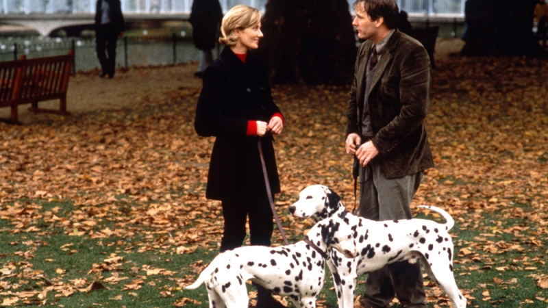 101 DALMATIANS, (aka ONE HUNDRED AND ONE DALMATIANS), from left: Joely Richardson, Jeff Daniels, 1996. ph: Clive Coote / © Buena Vista Pictures / Courtesy Everett Collection