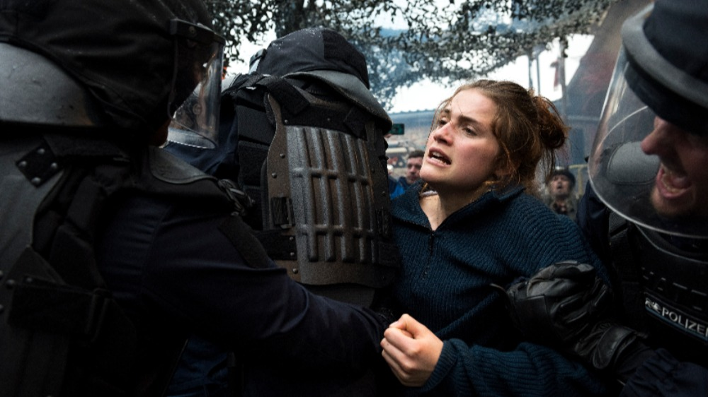 And Tomorrow the Entire World' Review: A Strong Anti-Fascist Thriller - Variety