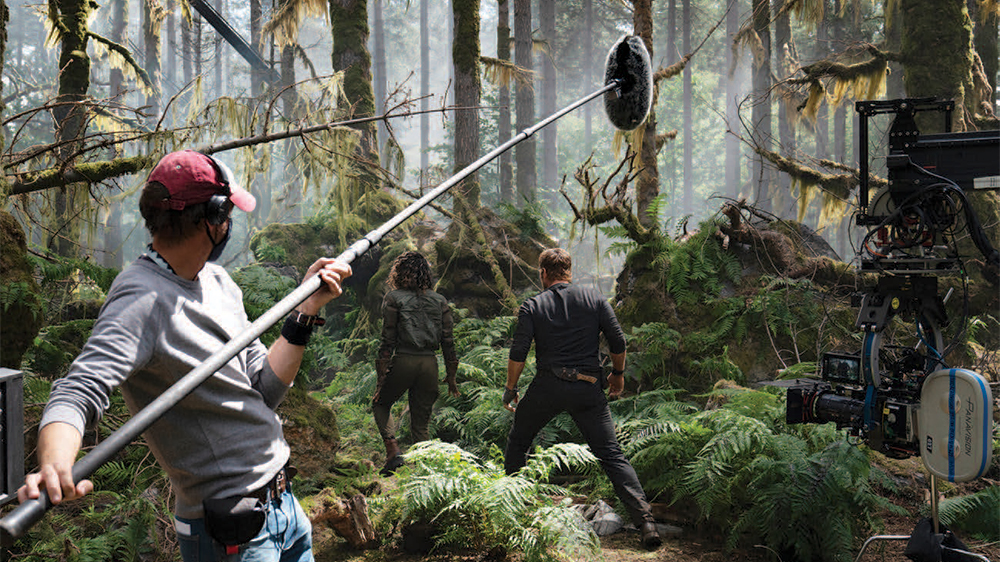 Jurassic World: Dominion Halts Filming After Positive Coronavirus Test -  Variety