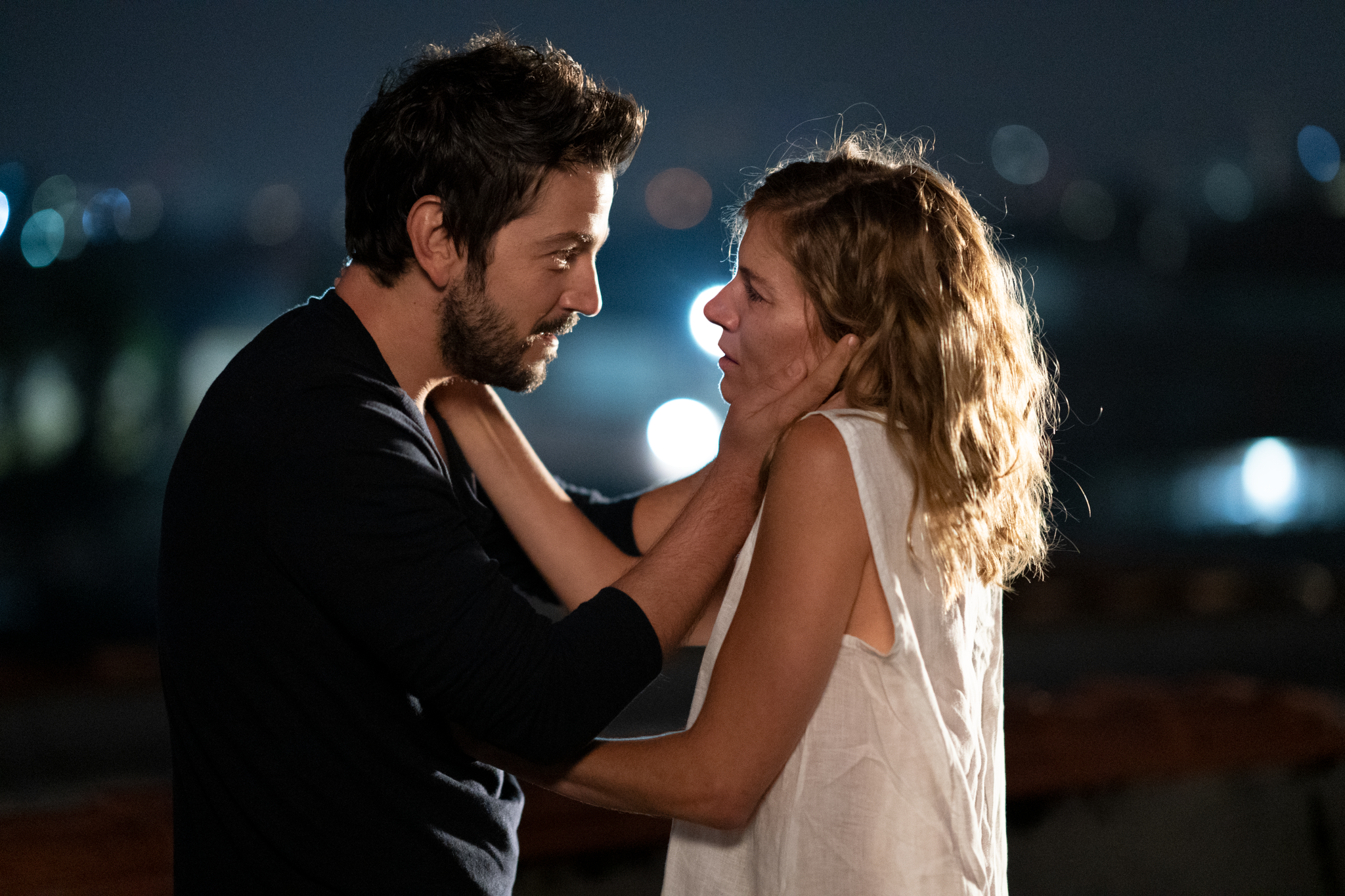 Sienna Miller S Wander Darkly Gets Fall Release From Lionsgate Variety
