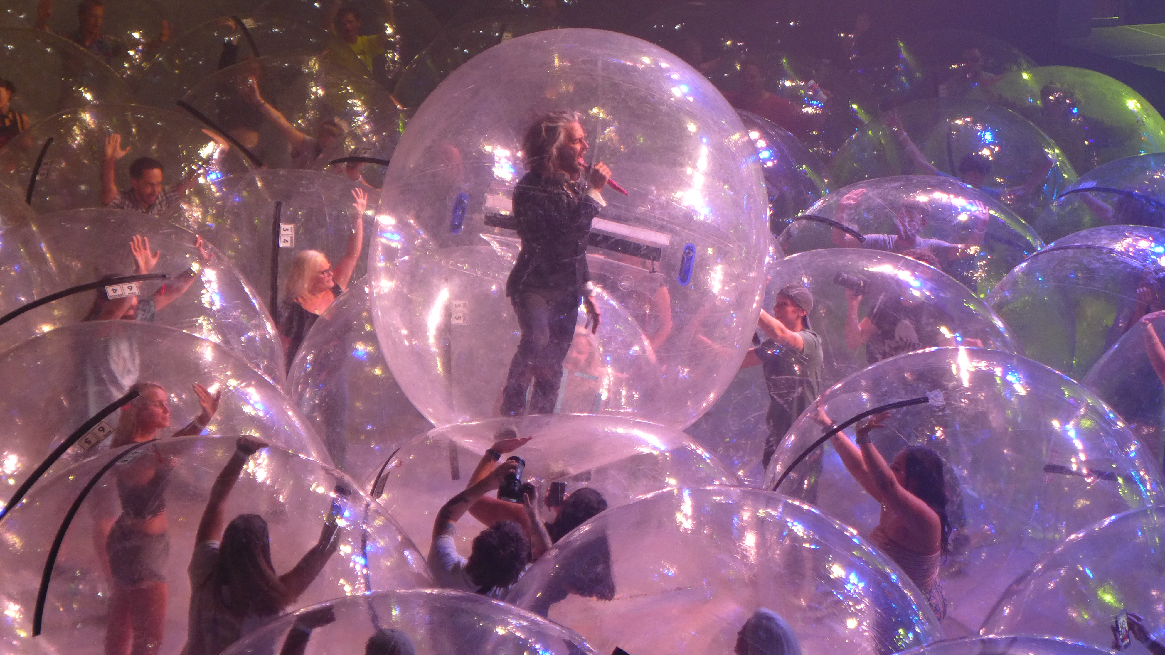 The Flaming Lips Want to Take Its Space Bubbles on Tour - Variety