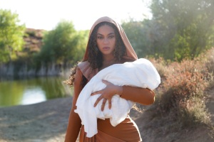 """Beyoncé in """"Otherside"""" from the visual album BLACK IS KING, on Disney+"""
