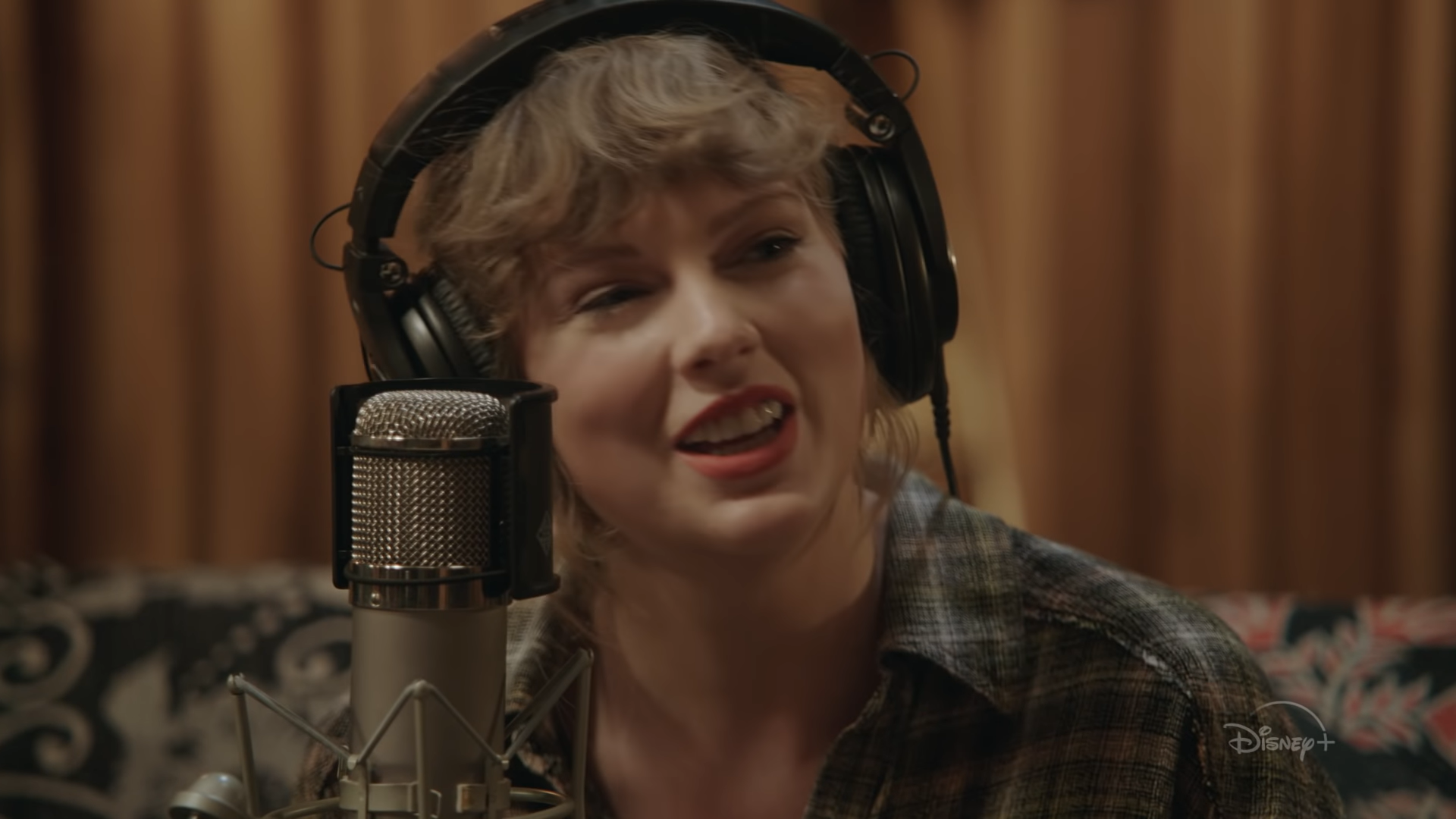 Taylor Swift Folklore Concert Film To Debut On Disney Plus Variety