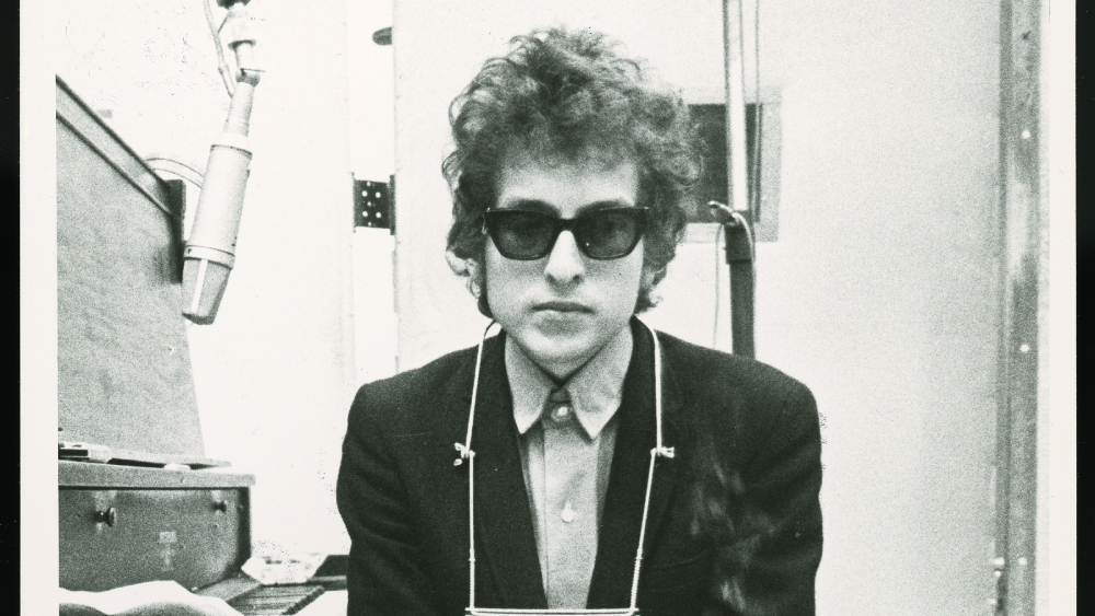 Bob Dylan Sells Entire Catalog of Songs to Universal Music Publishing
