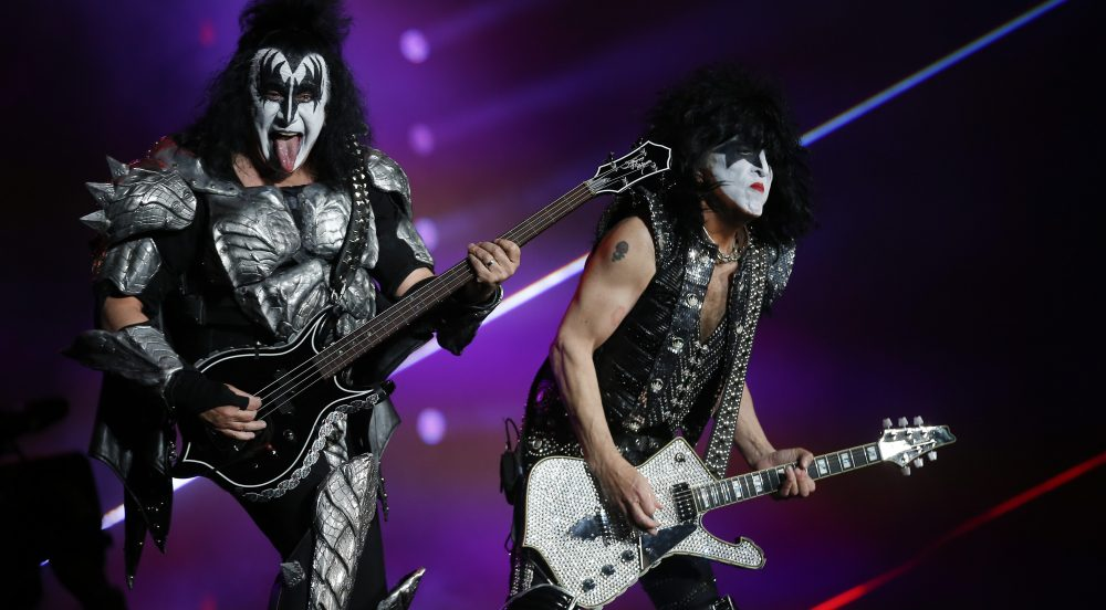 KISS Ready to 'Kick 2020 in the Butt… in Eight-Inch Heels' With New Year's Eve Livestream From Dubai thumbnail