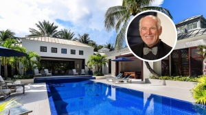 Jimmy Buffett Breezes Out of Palm Beach Mansion