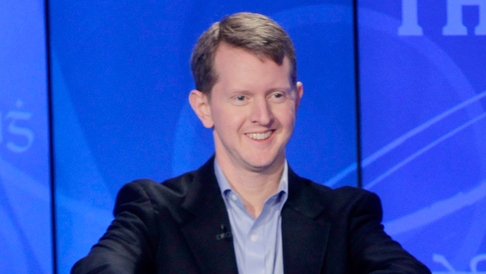 'Jeopardy's' Ken Jennings Apologizes for Ableist Tweets ...